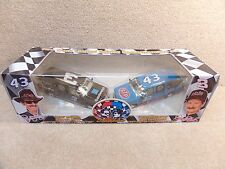 New 1995 Brookfield 1:25 Diecast NASCAR Earnhardt Sr & Petty Suburban Truck Set