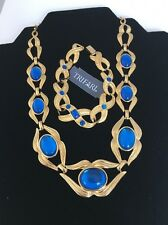 BEAUTIFUL TRIFARI GOLD TONE BLUE CABOCHONS NECKLACE & BRACELET Set (Y91)