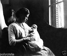 Photo Art Artiste anonyme Déco NB - Portrait d'une mère et de son bébé deb. XXe