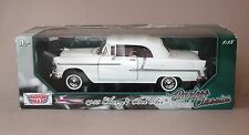 1:18 Motormax 1955 Chevrolet Bel Air Convertible - White w/White Top
