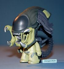 AVP Whoever Wins Collection Titans Vinyl Figures Predalien 2/20