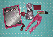 Monster High Clothes Fashion Catty Noir Scaremester pink silver dress shoes