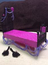 MONSTER HIGH Spectra Vondergeist Doll Bed Playset
