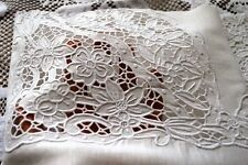 bed sheet in pure linen with hand carved embroidery