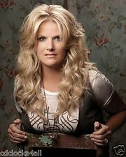 Trisha Yearwood / Country Singer 8 x 10 GLOSSY Photo Picture