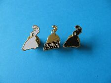 3, Vintage Gitanes Cigarettes Ladies Advertising Pin Badges.