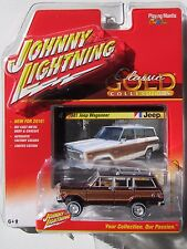 JOHNNY LIGHTNING 2016 CLASSIC GOLD 1981 JEEP WAGONEER #4 A Burgun TAILGATE OPENS