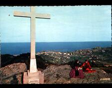 BASTIA (Corse) FEMME LISEUSE costumée au CALVAIRE & VILLAS en vue aérienne