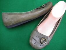 LADIES PLANET SHOES OLIVE GREEN LEATHER FLAT HEEL SHOES  SIZE 9