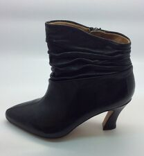 Earthies Womens Montebello Black Leather Ankle Bootie Heels Size 5
