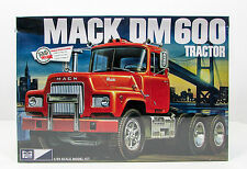 MPC 859 Mack DM600 Tractor 1/25 New Truck Model Kit