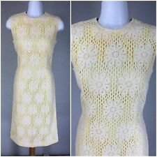 VINTAGE 1950s YELLOW CREAM CROCHET WIGGLE FLORAL DRESS S