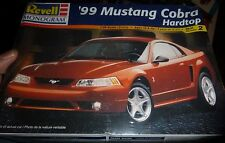 REVELL 1999 FORD MUSTANG COBRA 1/25 Model Car Mountain KIT FS