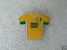 PINS,SPELDJES VOETBAL SHIRT SOCCER LAND COUNTRY IVOORKUST