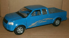 1/18 Pick Up Truck Plastic Model - Blue Nissan Frontier Pick-Up Replica  New Ray