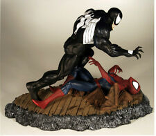 DYNAMICS FORCES AMAZING SPIDER-MAN vs VENOM 316 Diorama STATUE McFarlane  MARVEL