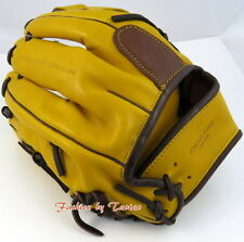 NWT Coach 64496 HERITAGE BASEBALL LEATHER COLORBLOCKED GLOVE Squash / Fawn