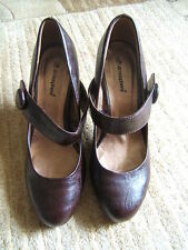 LADIES BROWN MARY JANE STYLE SHOES SIZE 5 (38)