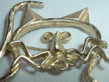 VINTAGE LARGE GOLDTONE CUT OUT ABSTRACT CAT BROOCH SASH PIN IN GIFT BOX