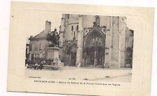 arcis-sur-aube  statue de danton et le portail historique de l'église