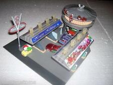 PIXAR CARS CUSTOM MERRY CHRISTMAS FLO'S V8 CAFE PLAY SET PLUS 3 CHRISTMAS CARS