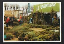 CHEVILLY-LARUE (94) HALLES de RUNGIS , MARCHAND de SAPIN pour NOEL en 1990