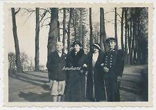 Foto Reichsmarine-Matrose mit Familie  (n906)
