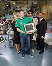 IT Crowd, The [Cast] (26695) 8x10 Photo