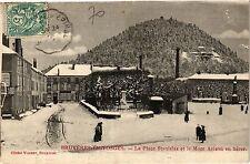 CPA Bruyéres en Vosges-LA Place Stanislas et le Mont Avison en hiver (184910)
