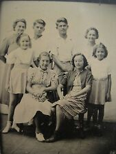 VINTAGE FRIENDS & FAMILY ARTISTIC BOARDWALK? WOOD FLOOR OLD LATER TINTYPE PHOTO