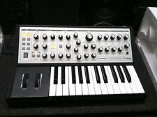 used Moog Sub Phatty ANALOG SYNTHESIZER,Keyboard Synth Bass 25 key //ARMENS
