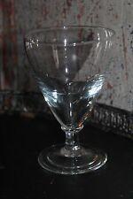 Ravissant verre ancien à pied en verre soufflé - bistrot - vin - verre épais