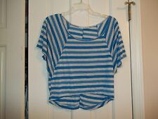 MADE FOR ME TO LOOK AMAZING JUNIOR SIZE SMALL WHITE BLUE STRIPED CROP TOP SHIRT
