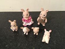 SYLVANIAN FAMILIES RABBIT FAMILY WITH 2,ADULTS AND 4 BABY FIGURES