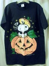 Black Peanuts Snoopy Popping Out Of A Pumpkin T-Shirt Size M