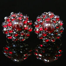 ANTIQUE VICTORIAN GOLD GARNET EARRINGS - SCREW FITTINGS - CIRCA 1900
