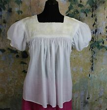 Cream on White Hand Embroidered Blouse Mayan Chiapas Mexico Cowgirl Hippie Boho