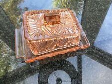 Vintage rétro en verre pressé fromage plat avec couvercle rose