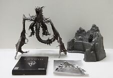 Elder Scrolls V: Skyrim Collectors Edition Alduin Dragon Statue & PC Game