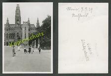Foto Wien Rathaus Straßenszene Passanten Pylon Stadtwappen Hoheitszeichen 1939!!