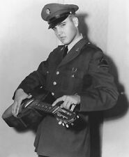 ELVIS PRESLEY UNSIGNED PHOTO - 1077 - BLUE SUEDE SHOES & UNCHAINED MELODY
