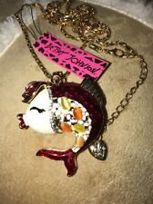 Cute NWT Betsey Johnson Necklace Top Hat �� Kissing Fish Adorable