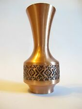 Schöne Vase aus Kupfer