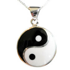 Sterling  Silver  (925)  Ying Yang ( 24 mm ) Pendant  With Silver Chain !! New !