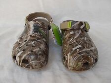 New Unisex Crocs Classic Realtree Max5 Turbo Clogs Khaki M7 W9  Roomy Fit