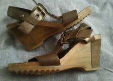 Clarks wedge sandals size5