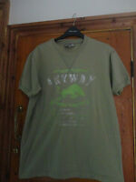 MENS  DISTRESSED STYLE T SHIRT SIZE LARGE BY ANYWAY JEANS
