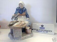 Royal Copenhagen Figurinen n.2233 - Fischers wif - Fisch Markt Bing & Grondahl