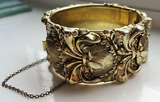 VINTAGE WHITING & DAVIS ORNATE FLORAL VASE CHUNKY GOLD-TONE CUFF HINGED BRACELET
