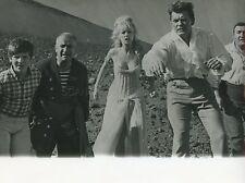 LOUIS DE FUNES JEAN MARAIS FANTÔMAS SE DECHAINE  1965 VINTAGE PHOTO TV #21